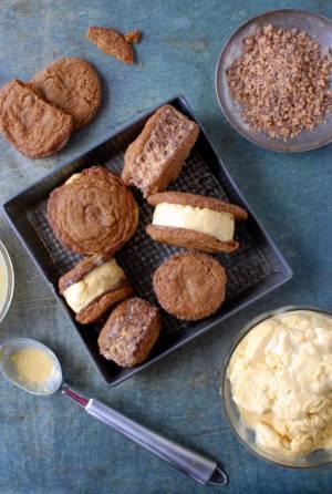 طرز تهیه بستنی کدو حلوایی با نان زنجبیلی