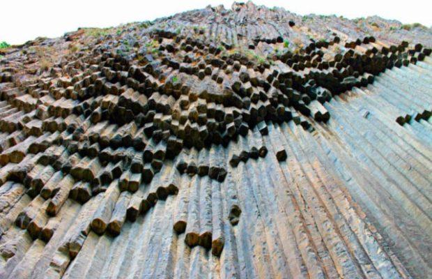 سمفونی سنگها