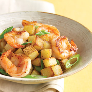 Photo of طرز تهیه میگو با پیازچه و سیب زمینی ترد غذای دریایی خوش طعم