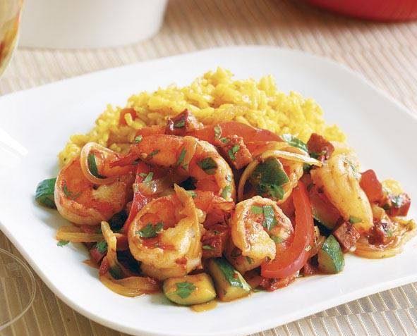طرز تهیه میگو با پیازچه و سیب زمینی ترد غذای دریایی خوش طعم