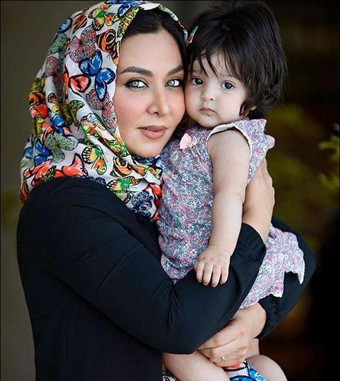 فقیهه سلطانی و دخترش