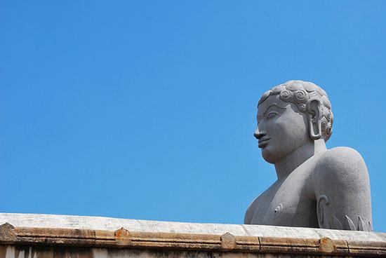 مجسمه بزرگ گوماتارایا