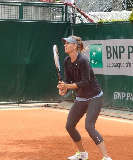 ماریا شاراپووا ورزشکار زن که زیباترین و قدبلندترین زن تنیسور است