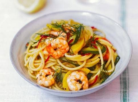 طرز تهیه اسپاگتی میگو و کدو