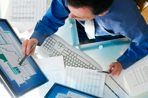 مشاورین و مدیران مالی