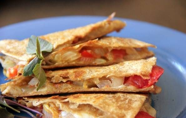 کویسادیلای سبزیجات و پنیر