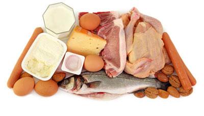 این غذاها و خوراکی ها را قبل از سفر با هواپیما نخورید! 1