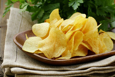 این غذاها و خوراکی ها را قبل از سفر با هواپیما نخورید!