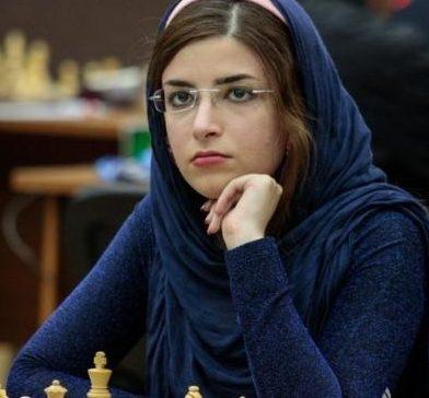 ماجرای کشف حجاب دختر شطرنج باز ایرانی و عضویت وی در تیم آمریکا