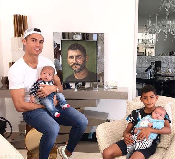عکس هایی از کریس رونالدو و فرزندانش در خانه سوپر لوکس