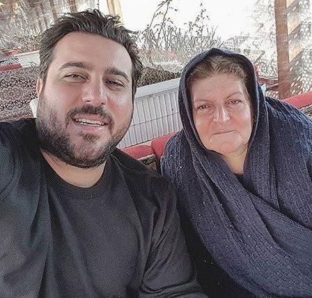 محسن کیایی و مادر عزیزش