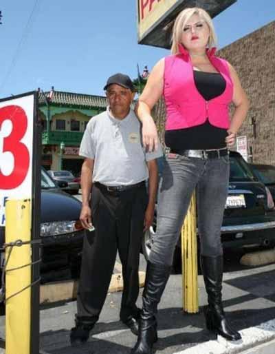 قویترین دحتر دنیا, اندام دختر قد بلند