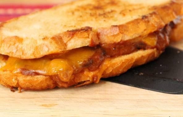 ساندویچ چیلی پنیر