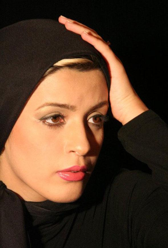 نوشین حسین خانی