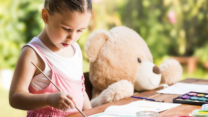 ارتباط فرزندتان را با دوستان خیالی را بیشتر کنید