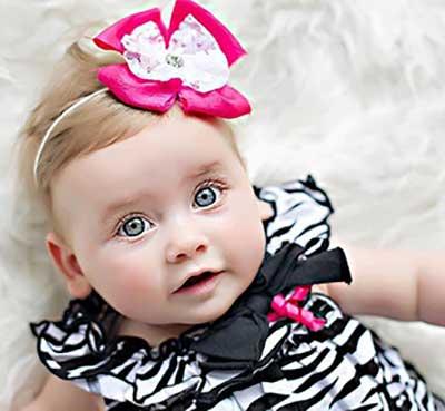 زیبایی بچه با انار