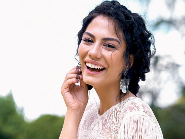 عکس های بازیگران سریال بوی توت فرنگی