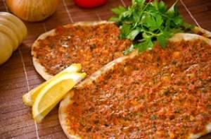 طرز تهیه پیتزای له معجون