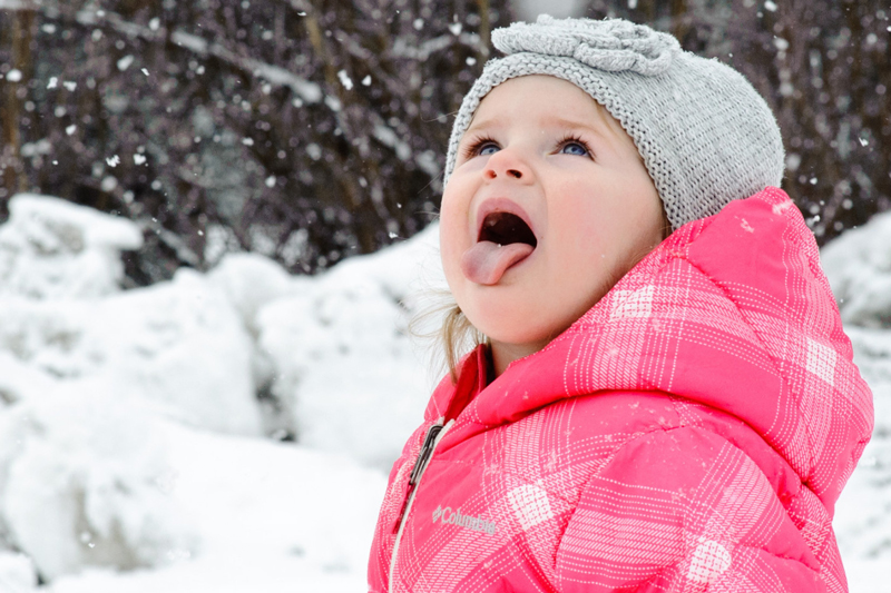 آیا خوردن برف ضرر دارد؟ می توانیم برف بخوریم؟