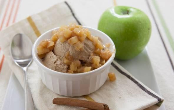 بستنی سیب و دارچین