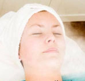 روش بخاردرمانی برای پاکسازی پوست