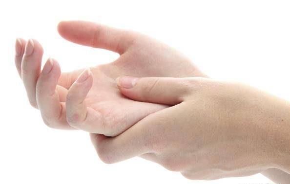 روش های خانگی برای مشکل خواب رفتن دست ها