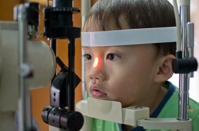 دلیل (لوچی یا استرابیسم) یا انحراف چشم ها چیست؟