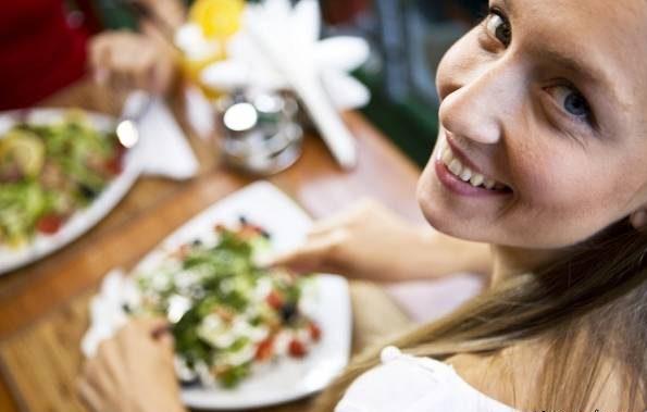 رابطع نوع تغذیه دختران جوان با داشتنی فرزندی سالم