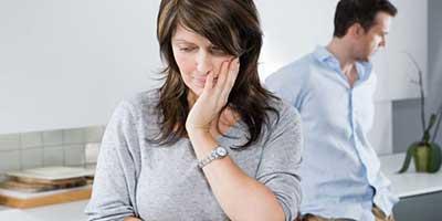 این 10 نشانه را دیدید شوهر شما خیانتکار است مواظب باشید!