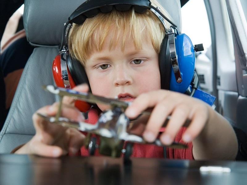 چگونه با وجود داشتن کودک سفر هوایی راحتی داشته باشیم؟