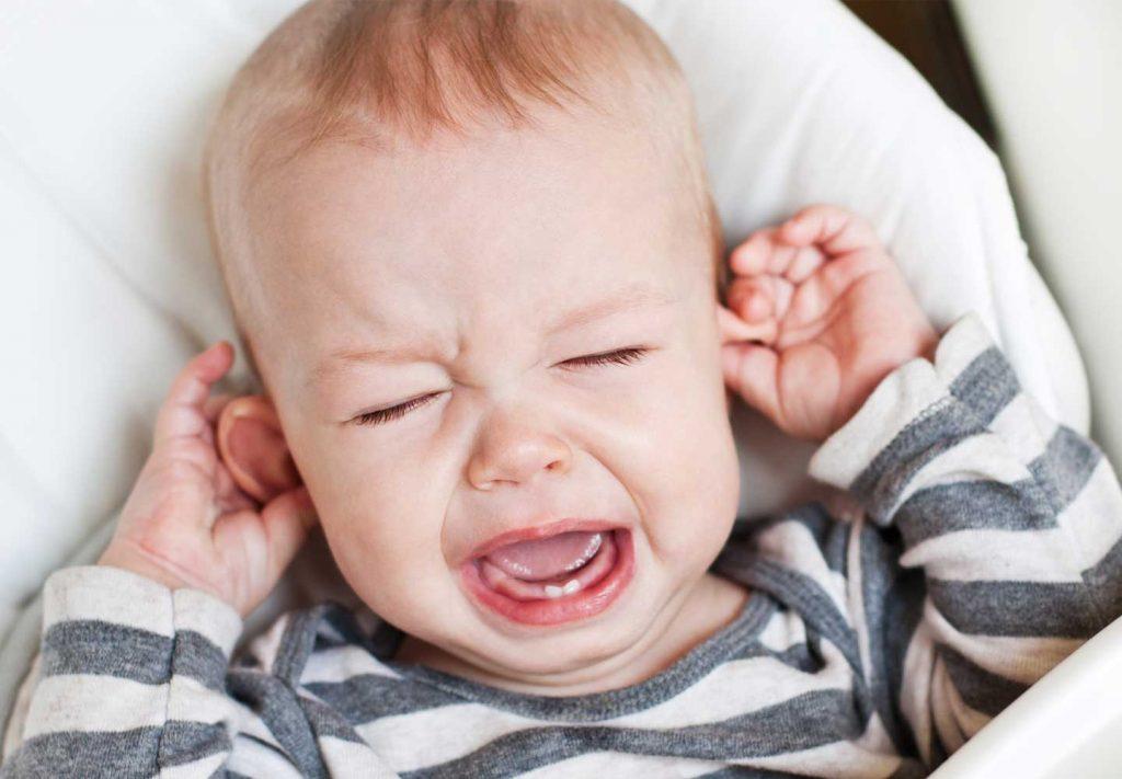 دلیل گوش درد گرفتن نوزاد درون هواپیما چیست؟