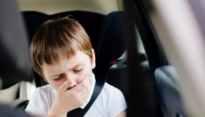 آیا هنگام سوار شدن حالت تهوع میگیرید؟ (درمان ماشین گرفتگی)