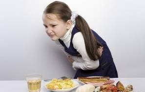 بعد از استفراغ چه بخوریم و چه نخوریم؟