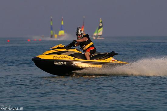 نگاهی به تفریحان آبی در جزیره کیش مروارید خلیج فارس