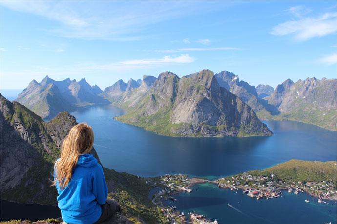 مسافرت تنهایی؛ چرا باید تنها سفر کنیم و چه فوایدی دارد؟