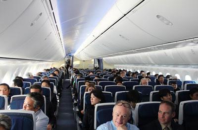 آشنایی با حق و حقوق مسافران هواپیما