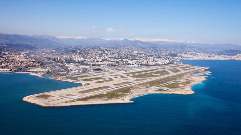 بهترین فرودگاه های دنیا که منظره ای خیره کننده دارند