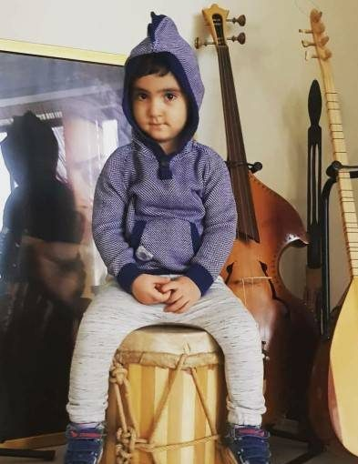 Farzand 10 e1525001502814 عکس بازیگران و فرزندانشان از دختر یکتا ناصر تا فرزند مهناز افشار عکس