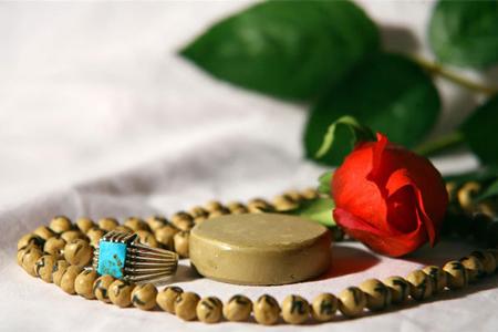 دلیل خواندن سوره حمد در نماز چیست و آیا جایگزینی دارد؟