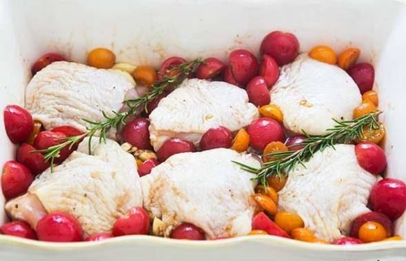 طرز تهیه ران کبابی با گوجه گیلاسی