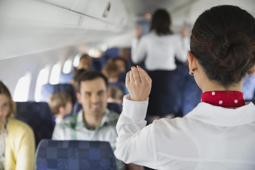 Photo of دلیل بالا رفتن پرده پنجره های هواپیما حین فرود چیست؟
