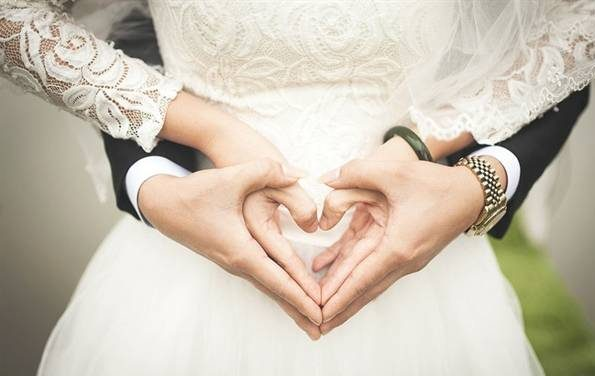 زمان بین عقد و عروسی چقدر باید باشد؟