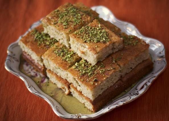 طرز تهیه کیک باقلوا کیکی خوشمزه برای عصرانه