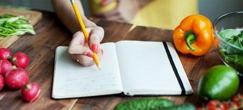 آیا ارام و آهسته خوردن غذا باعث لاغری می شود؟