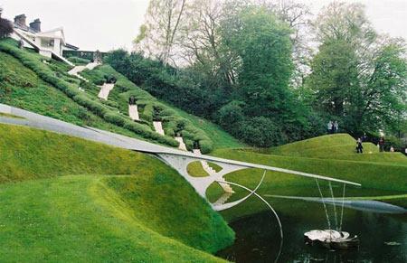 باغ گردشگری کیهانی باغی زیبا در اسکاتلند