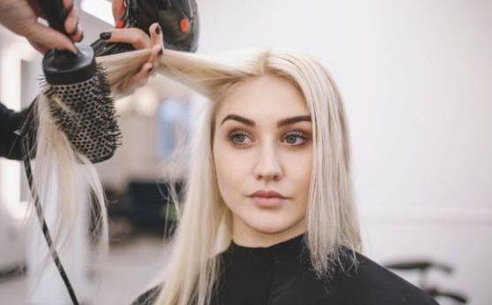عادت های بد روزانه که به مو و ناخن شما آسیب وارد می کند