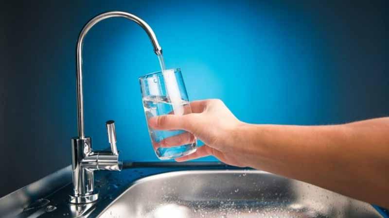 روش های تصفیه کردن آب در منزل | 4 روش برای فیلتر کردن آب