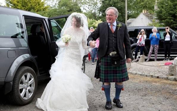 بازیگر مرد و زن سریال بازی تاج و تخت با هم ازدواج کردند + تصاویر مراسم عروسی