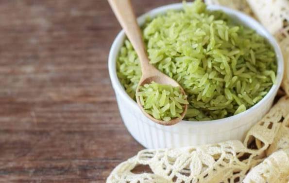 طرز تهیه برنج سبز رنگ خوشمزه با سبزیجات مقوی