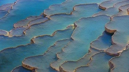 حوضچه های فیروزه ای زیبا در کشور ترکیه